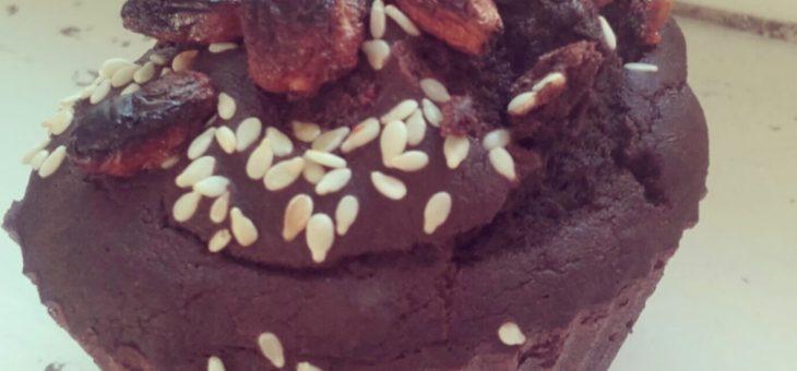 Bezglutenowe, kakaowe babeczki z daktylami